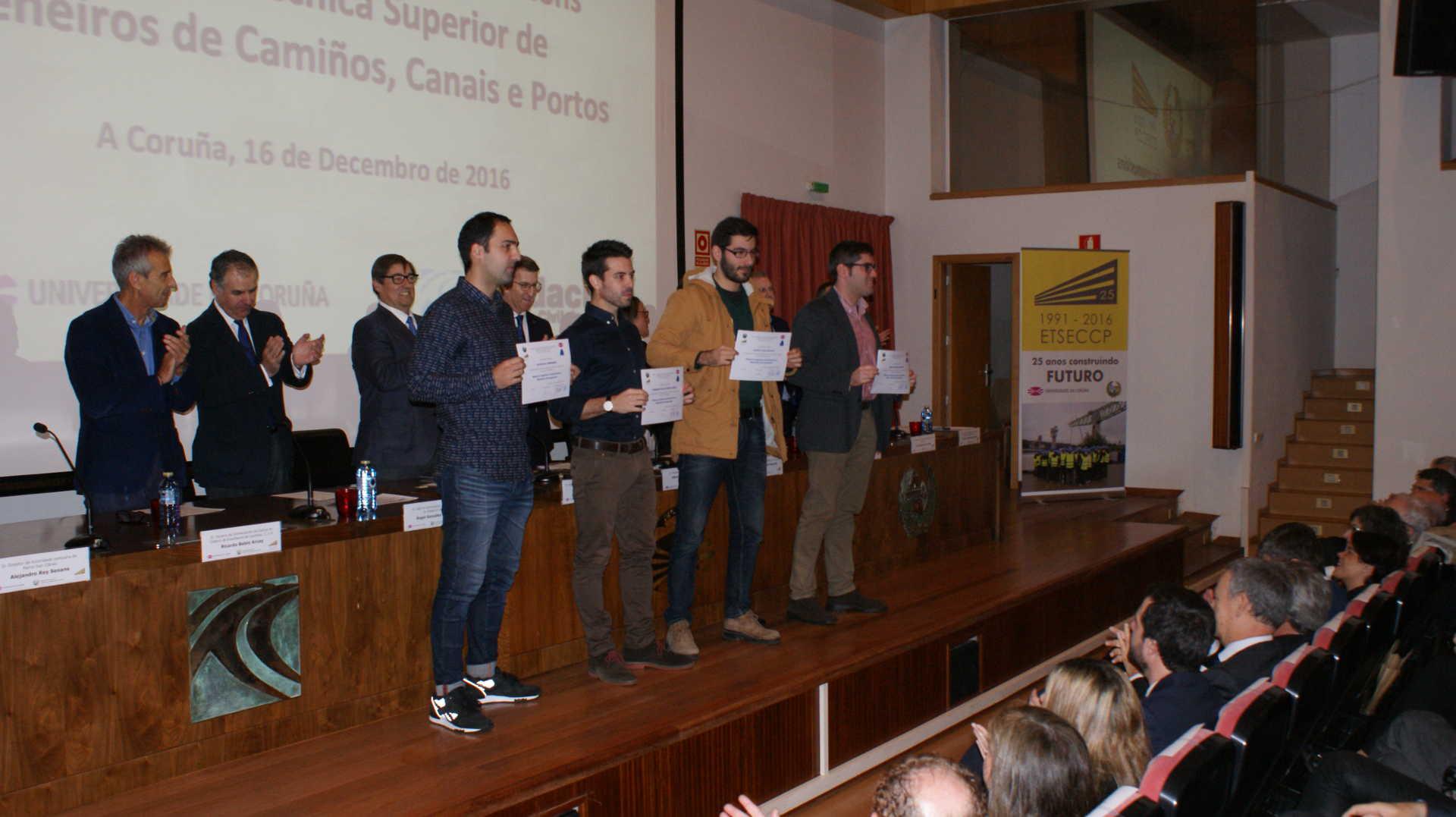 Primera promoción de titulados del Máster en Ingeniería de Estructuras y Materiales Aeroespaciales (MIEMA)