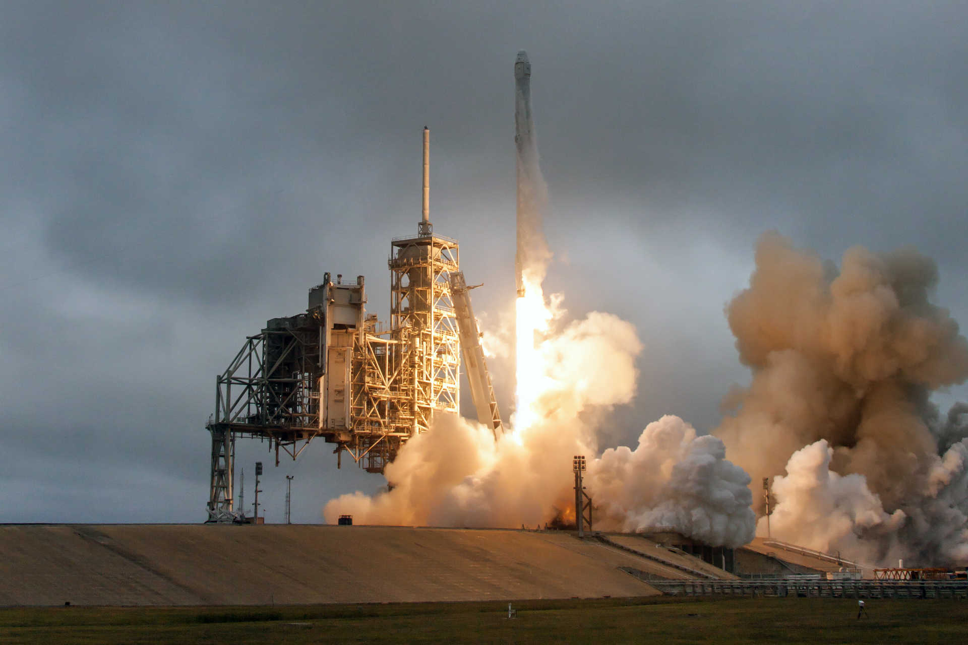 SpaceX Launches Supply Rocket From Historic Apollo Pad