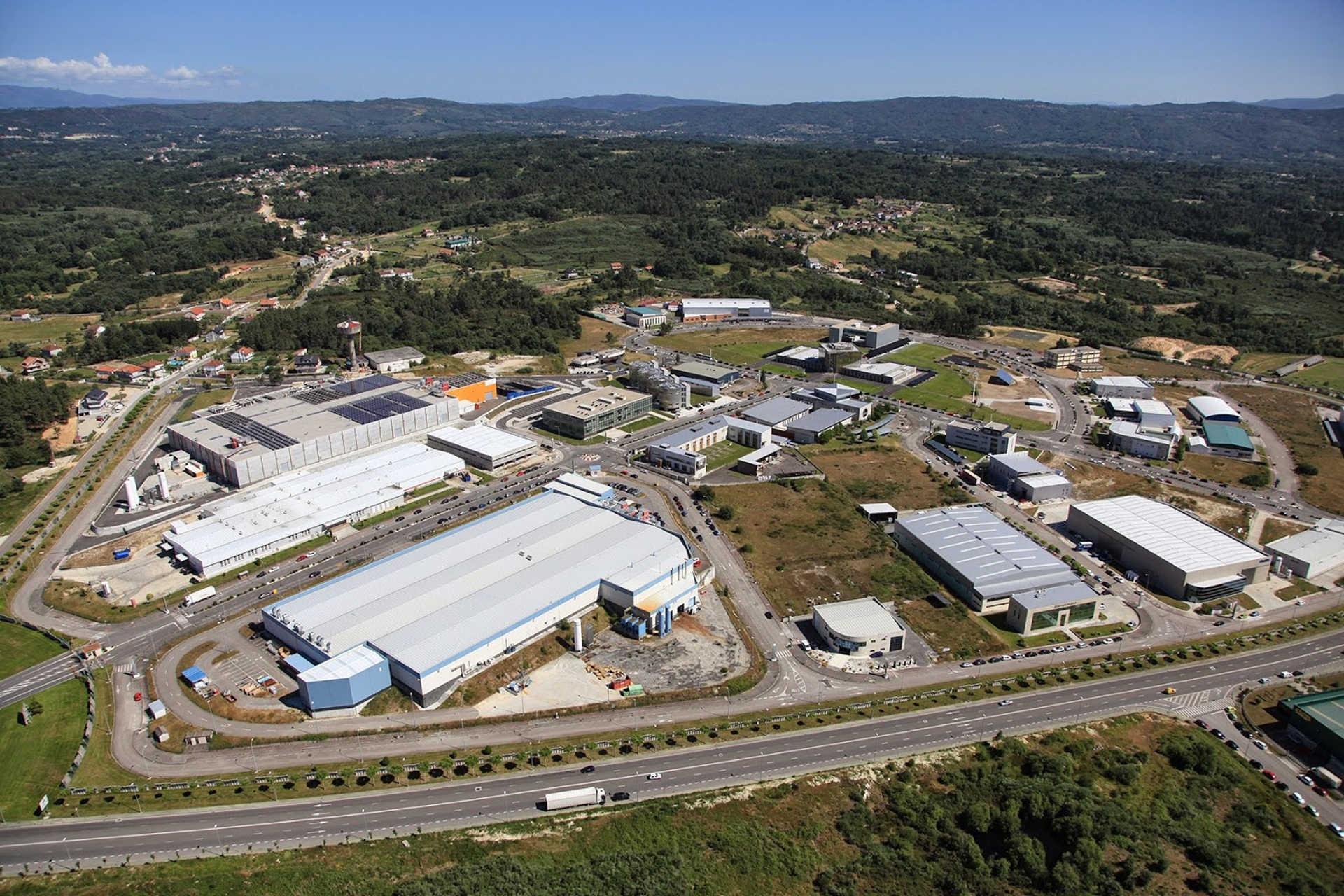 Visita del MIEMA a la empresa COASA en San Cibrao das Viñas (Ourense)